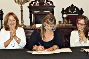 Campaña STP 2012: convenio MIDES - Equipo de Despatologización de las Identidades Trans