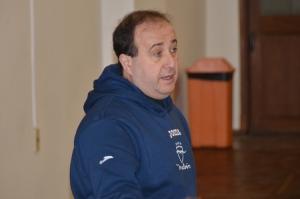 Pablo López, entrenador campeón de la Liga de Básquetbol en Facultad de Psicología