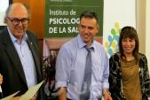 Intendente Marcos Carámbula, actividad de reconocimiento a estudiantes de Psicología por su trabajo en Violencia de Género. Setiembre 2013